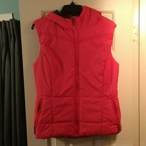 Bench Hooded Vest